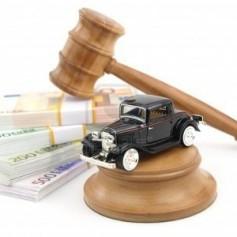 9102707-subasta-de-martillo-con-coches-antiguas-y-dinero-401x300